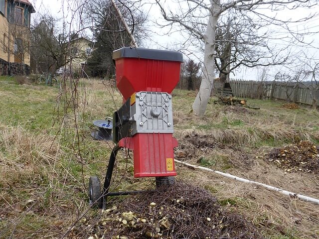 Den Gartenschredder unbedingt richtig platzieren! Foto: EKM-Mittelsachsen / pixabay.com