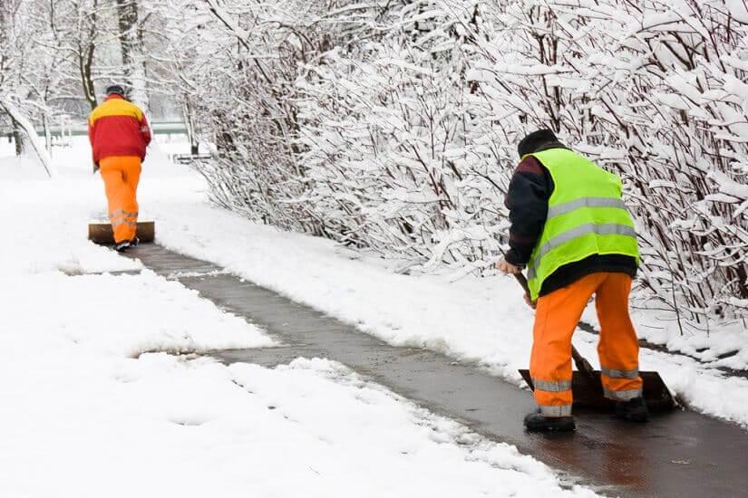 Streuwagen trotz Schneeschaufel noetig