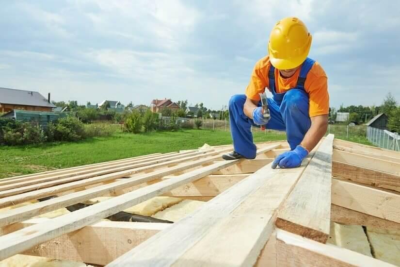 Renovierungsarbeiten am Dach