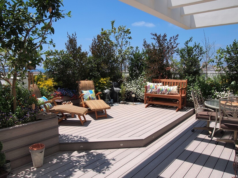 Ein Terrassenschrank wertet Ihre Terrasse auf