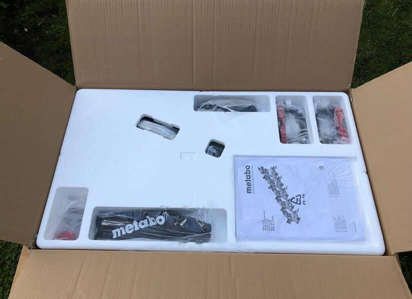 Die Metabo KGS 216M in der Originalverpackung