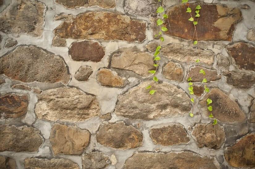Trasszementmörtel für Natursteinmauern