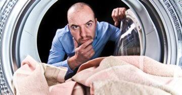 Die Waschmaschine kann man mit Hausmitteln reinigen!
