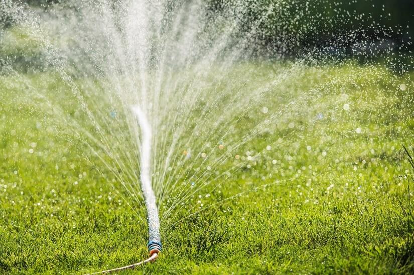 Bewässerungsschlauch mit Löchern
