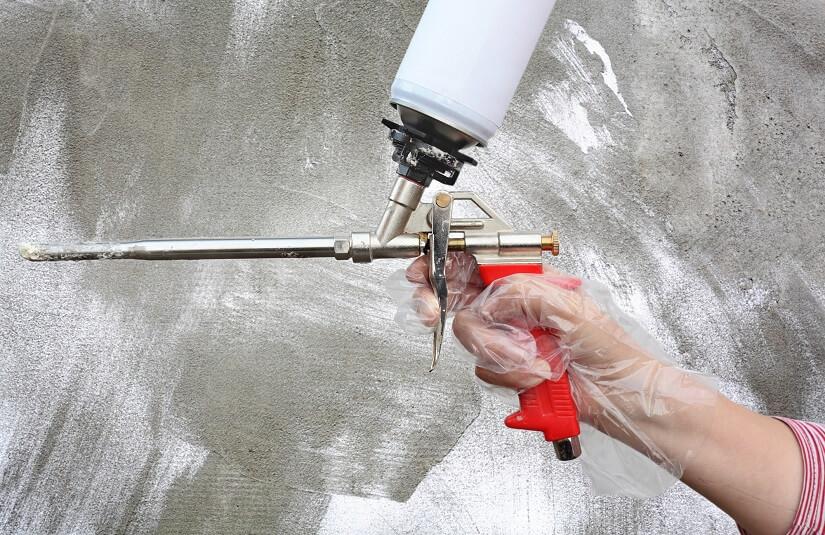 Die Schaumpistole sollte man nach jeder Anwendung reinigen