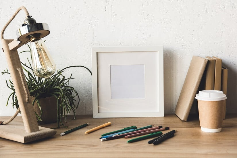 Coole Tischlampe aus Holz: mit wenigen Teilen kann man was schönes herstellen!
