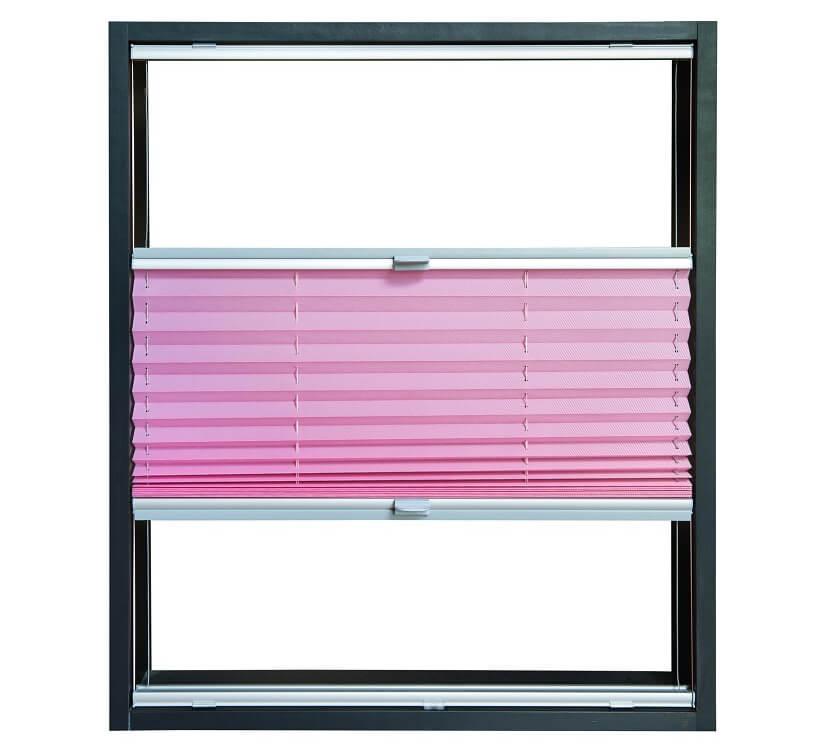 Fenster mit Plissee