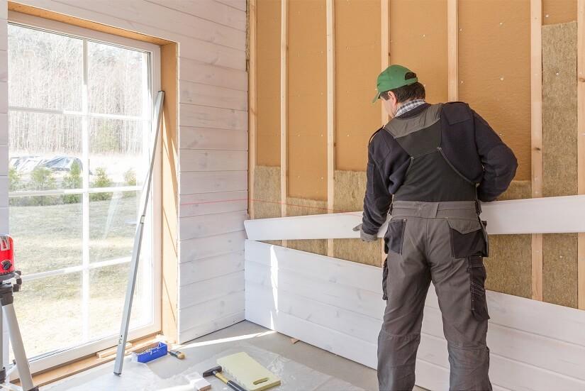 Die Holzfaserdämmplatte kann die Grundlage einer Schicht von mehreren Isolierschichten darstellen.