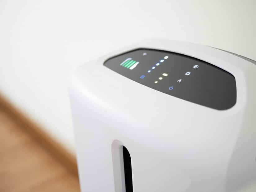 Ein Luftreiniger kann dabei helfen Schadstoffe, Viren und Bakterien zu beseitigen