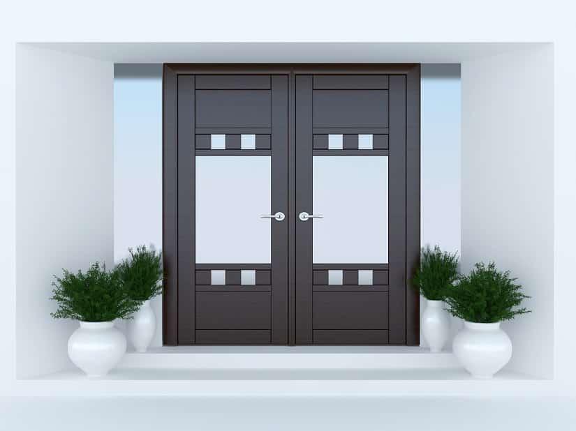 Haustür aus Holz in modernem Design